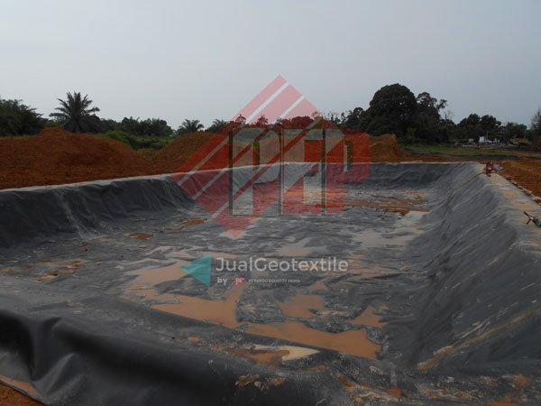 Penggunaan Geomembrane Sebagai Pelapis Kolam Limbah Untuk Mencegah Kebocoran