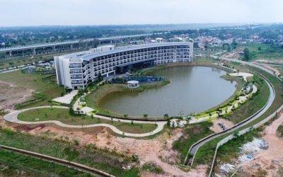 Instalasi Geomembrane Pada Proyek Pembangunan Danau Buatan Hotel Santika Premier Pekanbaru